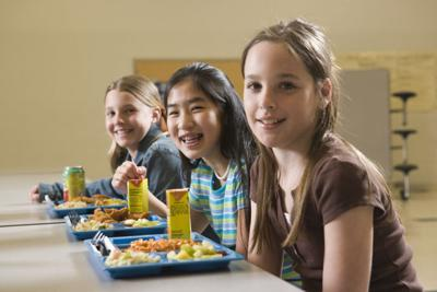 school lunch students