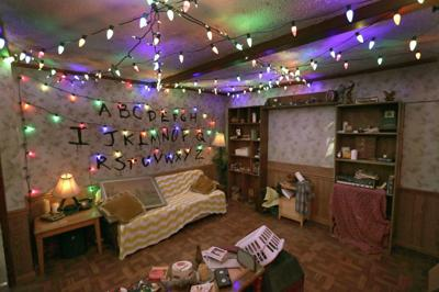 the beyers home living room - Stranger Things Christmas Decorations