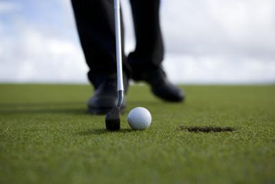 golf ball putter hole