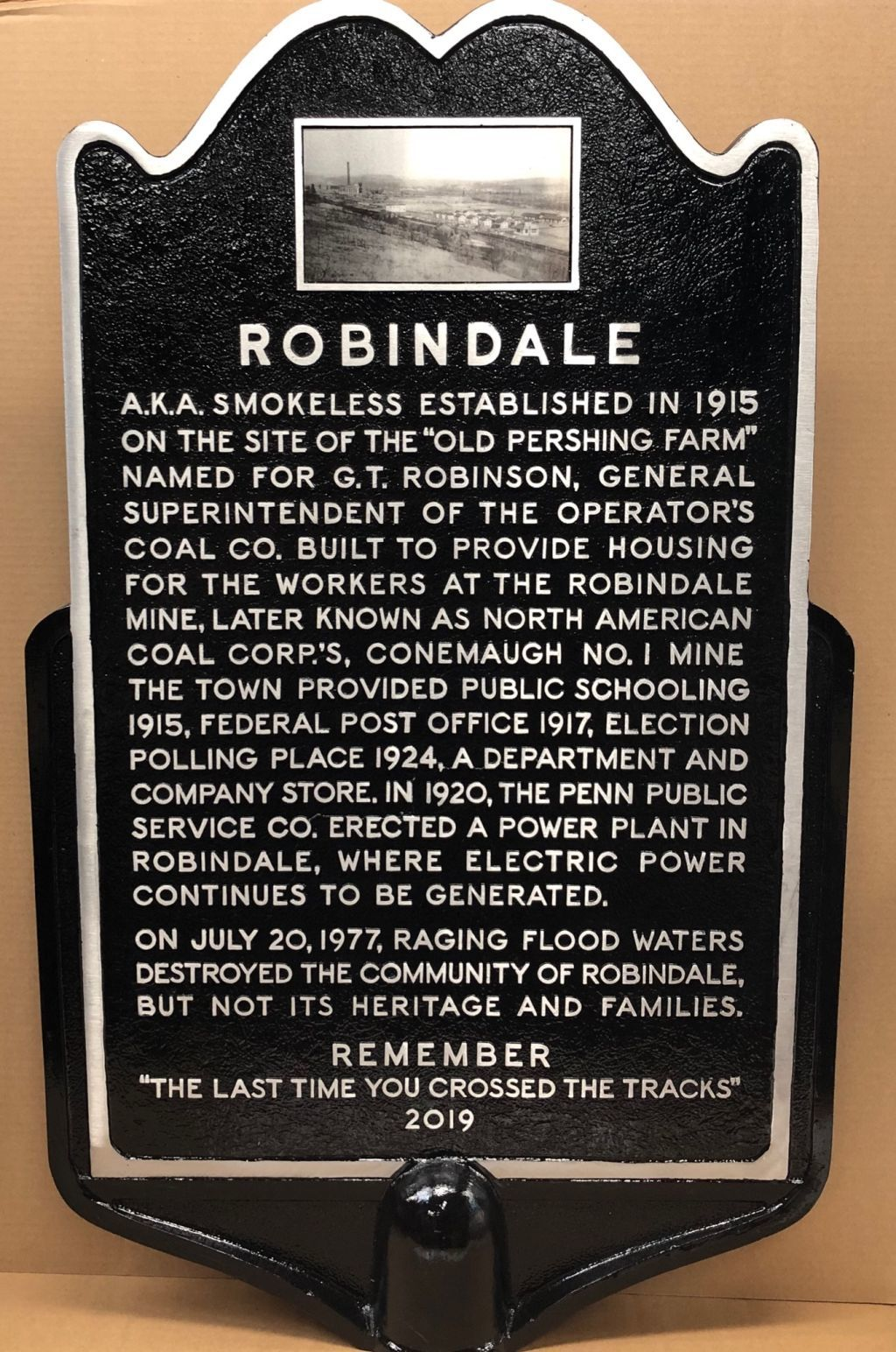 Robindale plaque