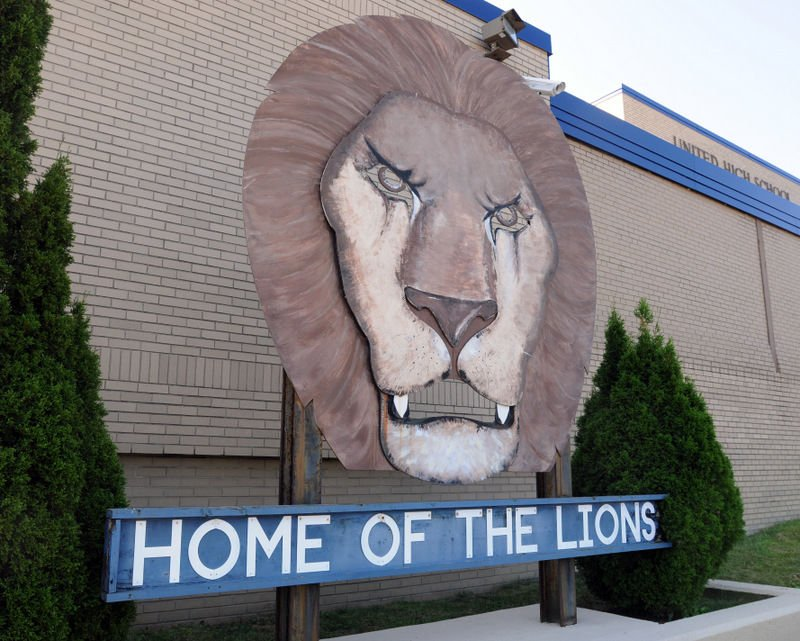 United High School lion sign