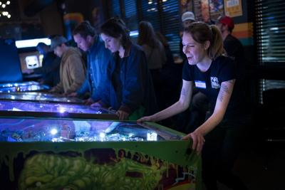 LIFE-HBY-LADY-PINBALL-WIZARDS-4-MS