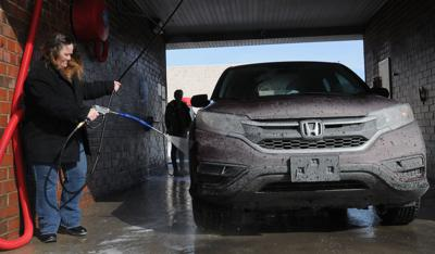 Washing Car In Winter >> Washing Away Winter At The Car Wash News Indianagazette Com
