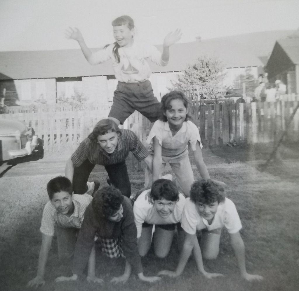 Robindale children