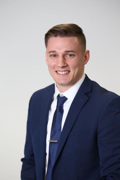 Hilgenberg completes consumer credit school