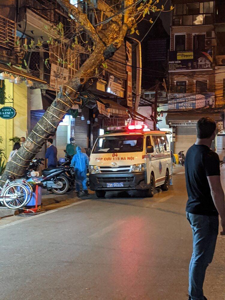 ambulance in Hanoi.jpg