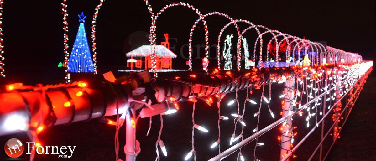 deck the halls in crandall with massive christmas lights music display