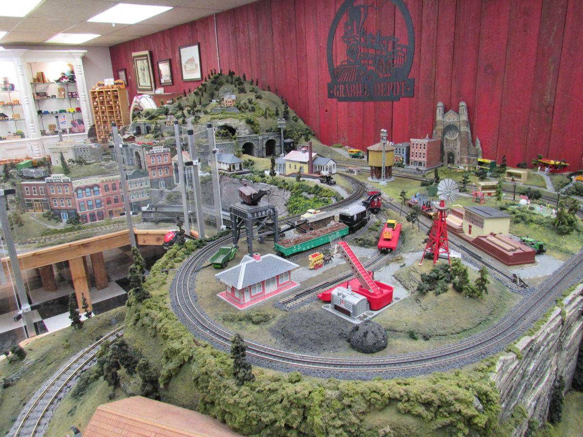 Country Shoppes of Grabill train display
