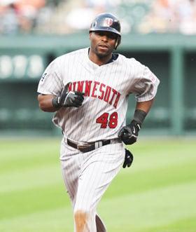 Torii Hunter returns to his baseball home