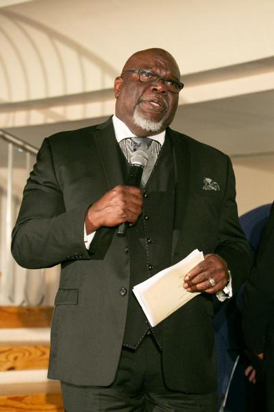 Bishop T.D. Jakes revels in his Nigerian ancestry