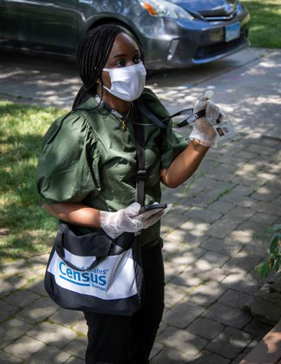 Census worker w PPE