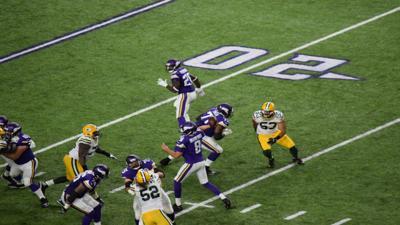 Vikings win U.S. Bank Stadium opener, lose Peterson