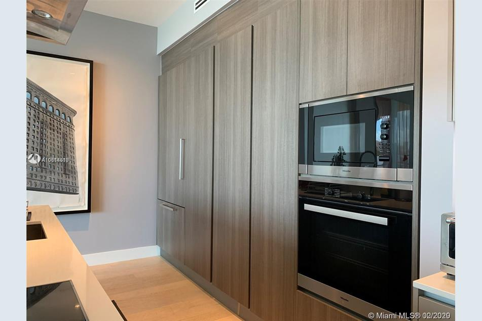 101 Sunrise Dr #402, Key Biscayne,