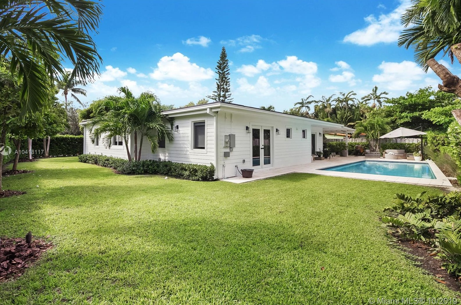 101 Woodcrest Ln, Key Biscayne, FL