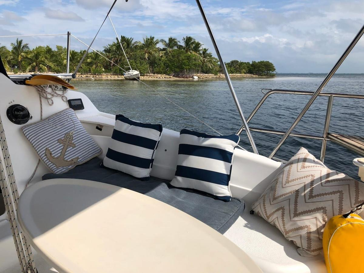 Experience that traveled-far feeling while staying close to home in a Yacht Air-Bed-Breakfast! Top deals in Miami!