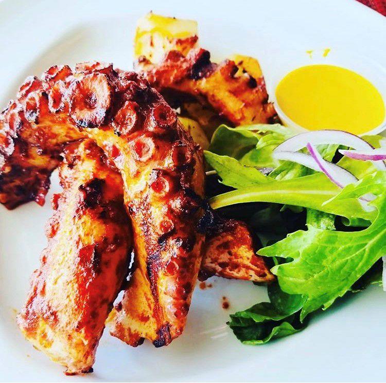 Ceviche Bar Pulpo al grill.jpg