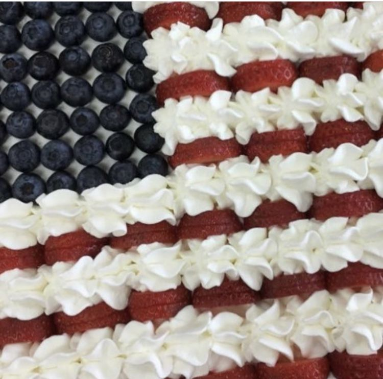 Piononos opened on July 4th and offered a sweet Taste of Key Biscayne; a delicious USA pavlova