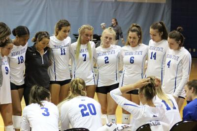 First set comeback fuels Sycamore sweep