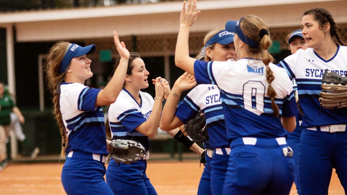 ISU women softball team against Cleveland State