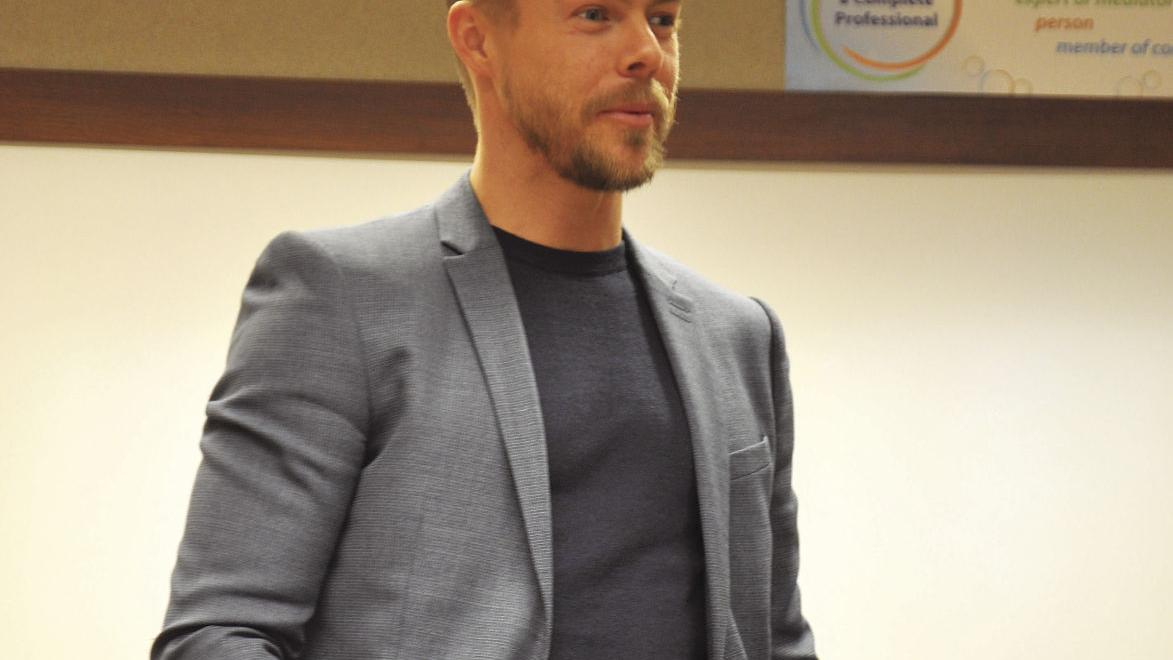 Derek Hough meets with ISU communication students and dance minors in an exclusive and lighthearted Q/A session