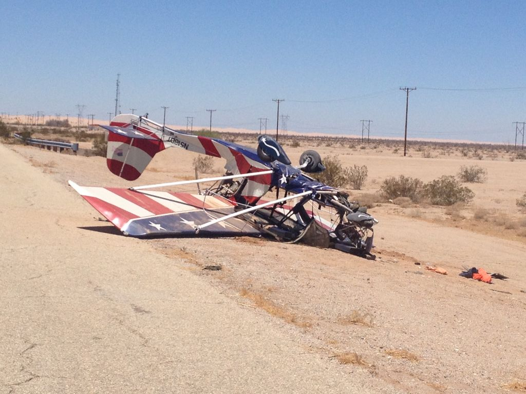 Ultralight plane crashes near Felicity