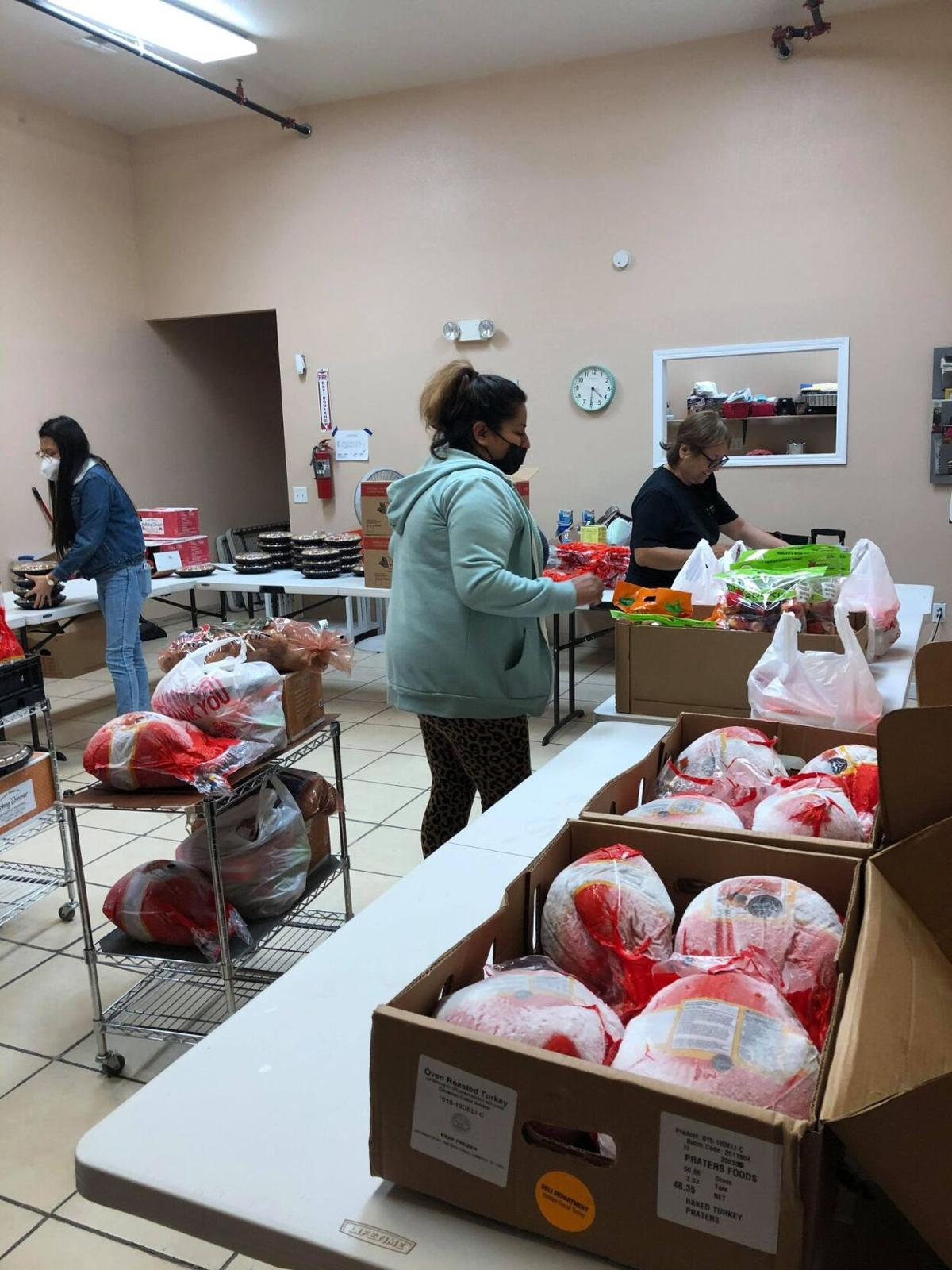 Charity provides Thanksgiving meals to families in need