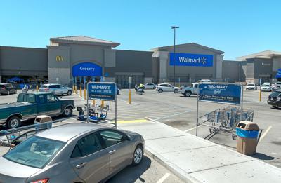 Walmart temporarily closes El Centro store