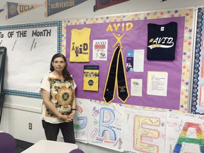 AVID students take note of possibilities