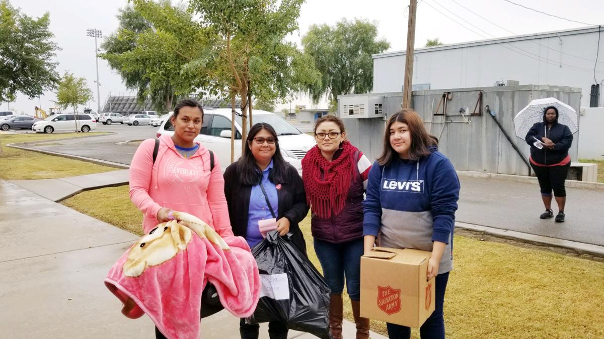 Angel Tree event spreads cheer in Calipatria, Niland
