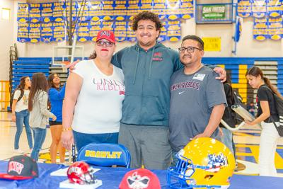 Wildcats' Caloca signs to play at UNLV