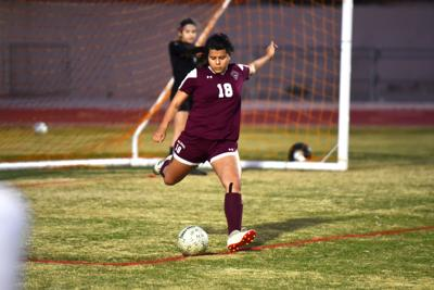 Strong backline play saves Bulldogs in win over Gila Ridge
