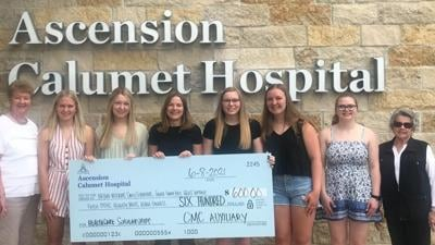 Hospital auxiliary awards scholarships to local students