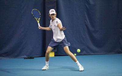 Men's tennis sweeps singles, wins third consecutive match