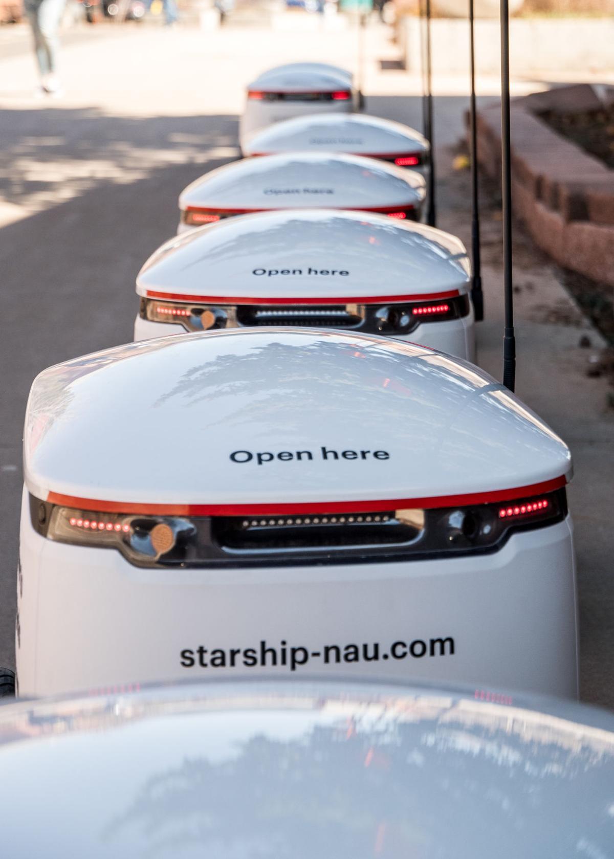 Robots begin delivering food on campus