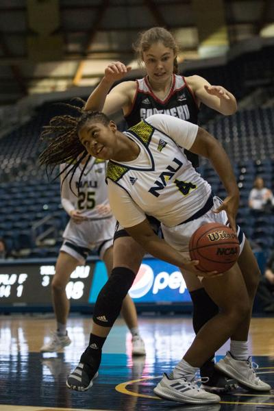 Women's basketball shuts down Thunderbirds to extend win streak