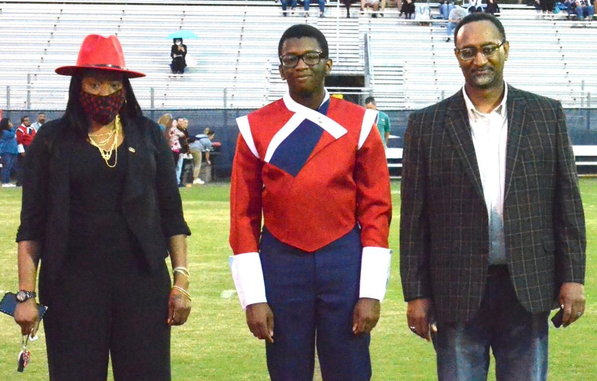 Daryl Bowman with his father, Daryl Bowman Sr., and mother, Kenyetta Bowman.jpg