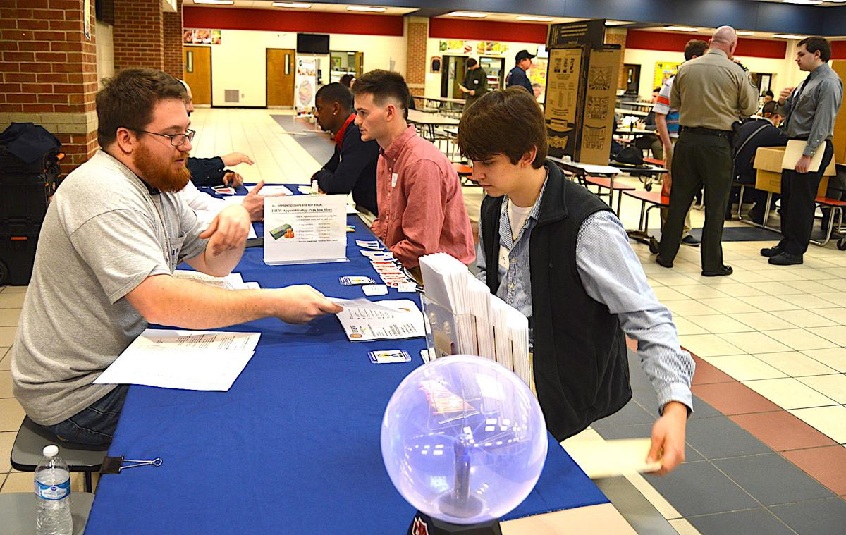 Students get interviewed during career fair | Local News