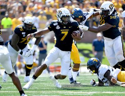 Kelly Bryant's three TD passes help Missouri rout West