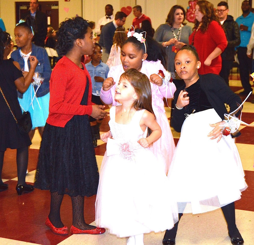 Father Daughter Wedding Dance: Stark Elementary Hosts Father-daughter Dance