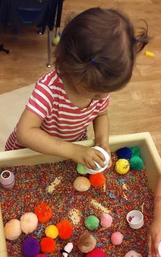 <p>Indoor sensory activities can entertain young children when it's too hot to play outside.</p>
