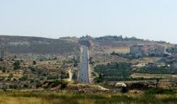 <p>Highway 60 in Judea and Samaria is a route shared by Israeli and Palestinian drivers.</p>