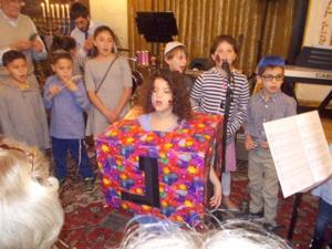Singing dreidel