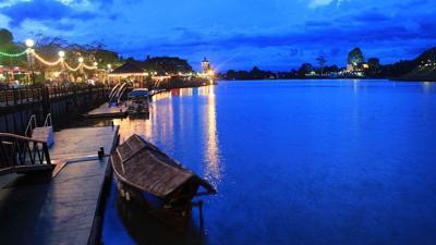 Malaysia Blocks Swimmers