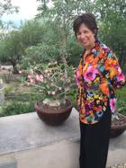 <p>Michelle Dionisio, a dance teacher and aging services expert, leads Memory Cafe events, which the Jewish Family & Children's Service is expanding into central Phoenix.</p>