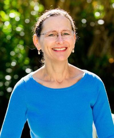 Rabbi Elana Kanter.jpg