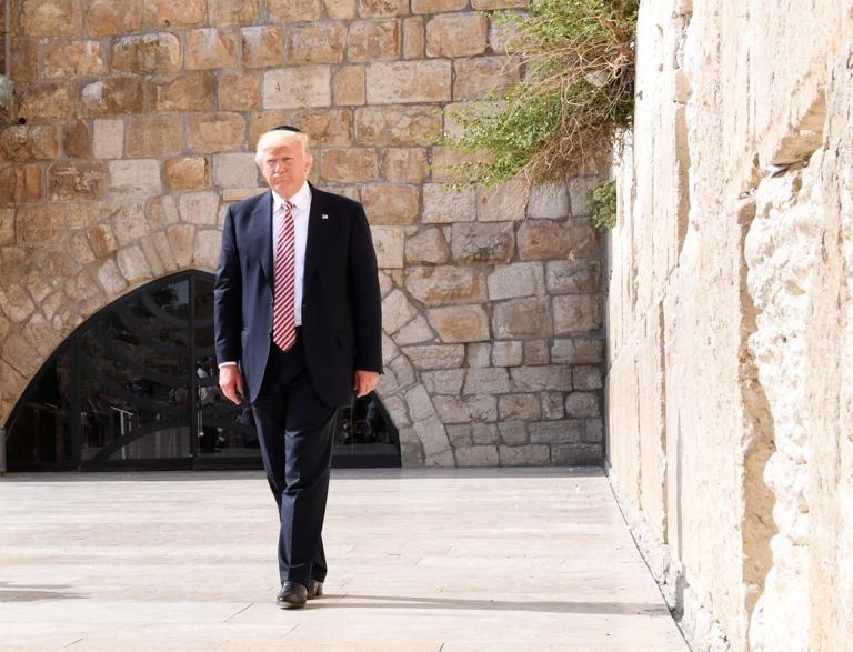 Trump recognizes Jerusalem as Israeli capital