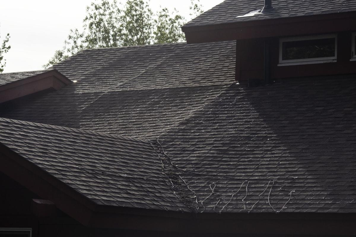 Melody Ranch Complex Confronts Roof