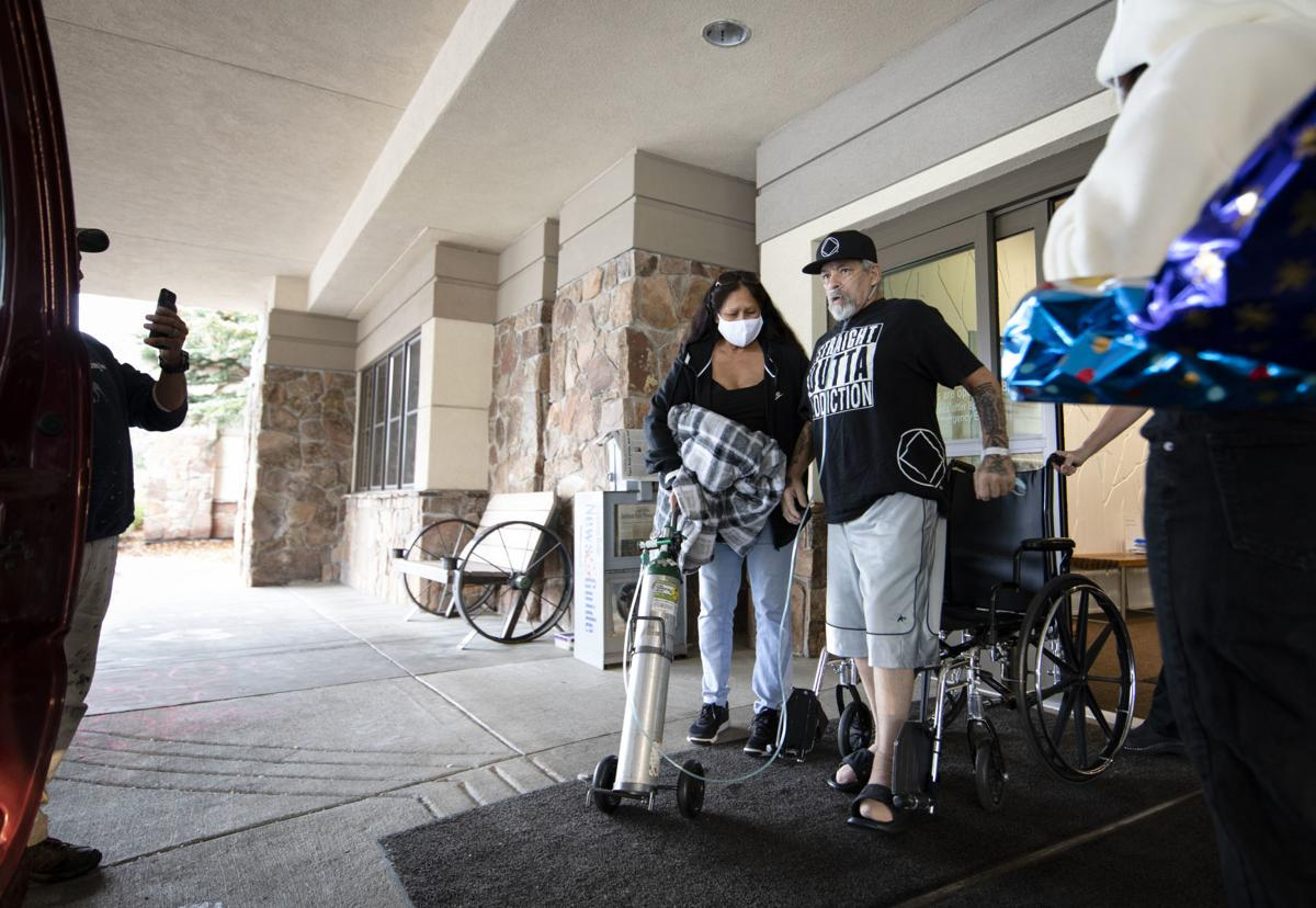 Coronavirus patient goes home after nearly 90 days of hospitalization