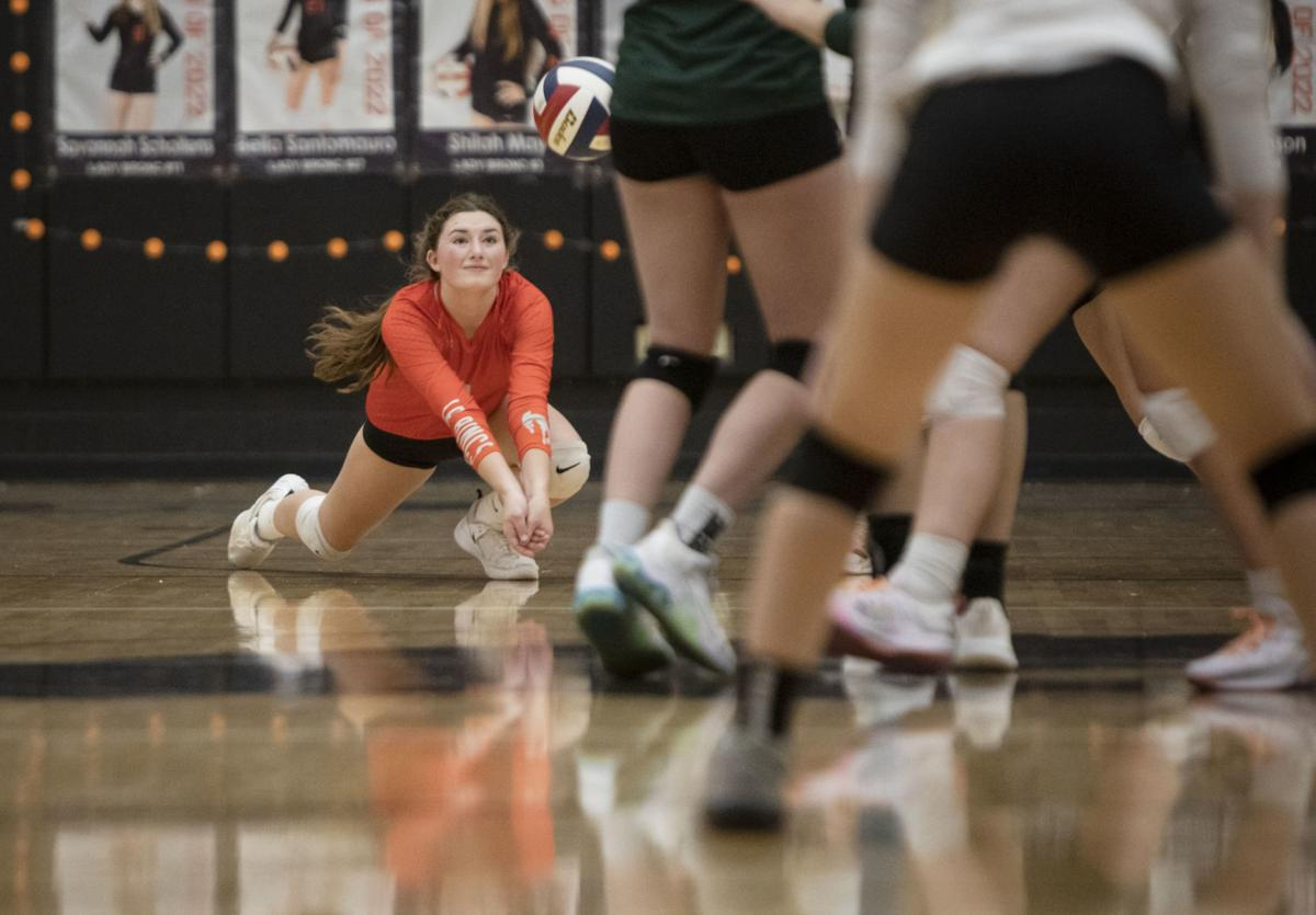 Broncs vs. Pinedale volleyball