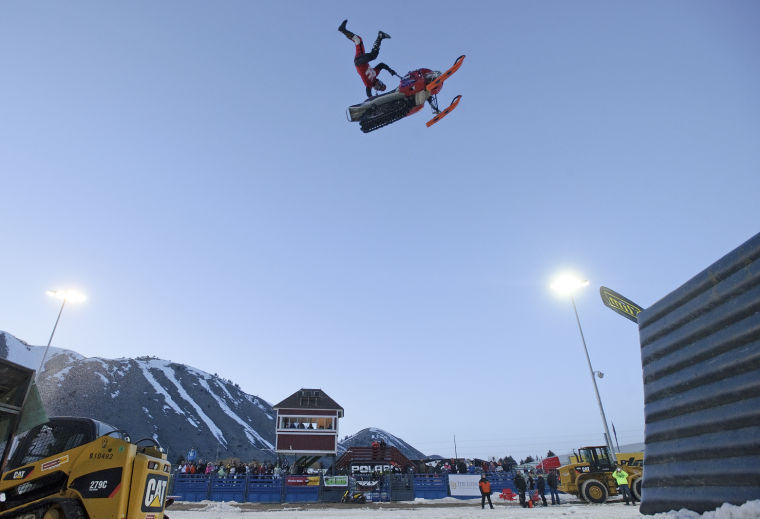 Freestyle snowmobile demo